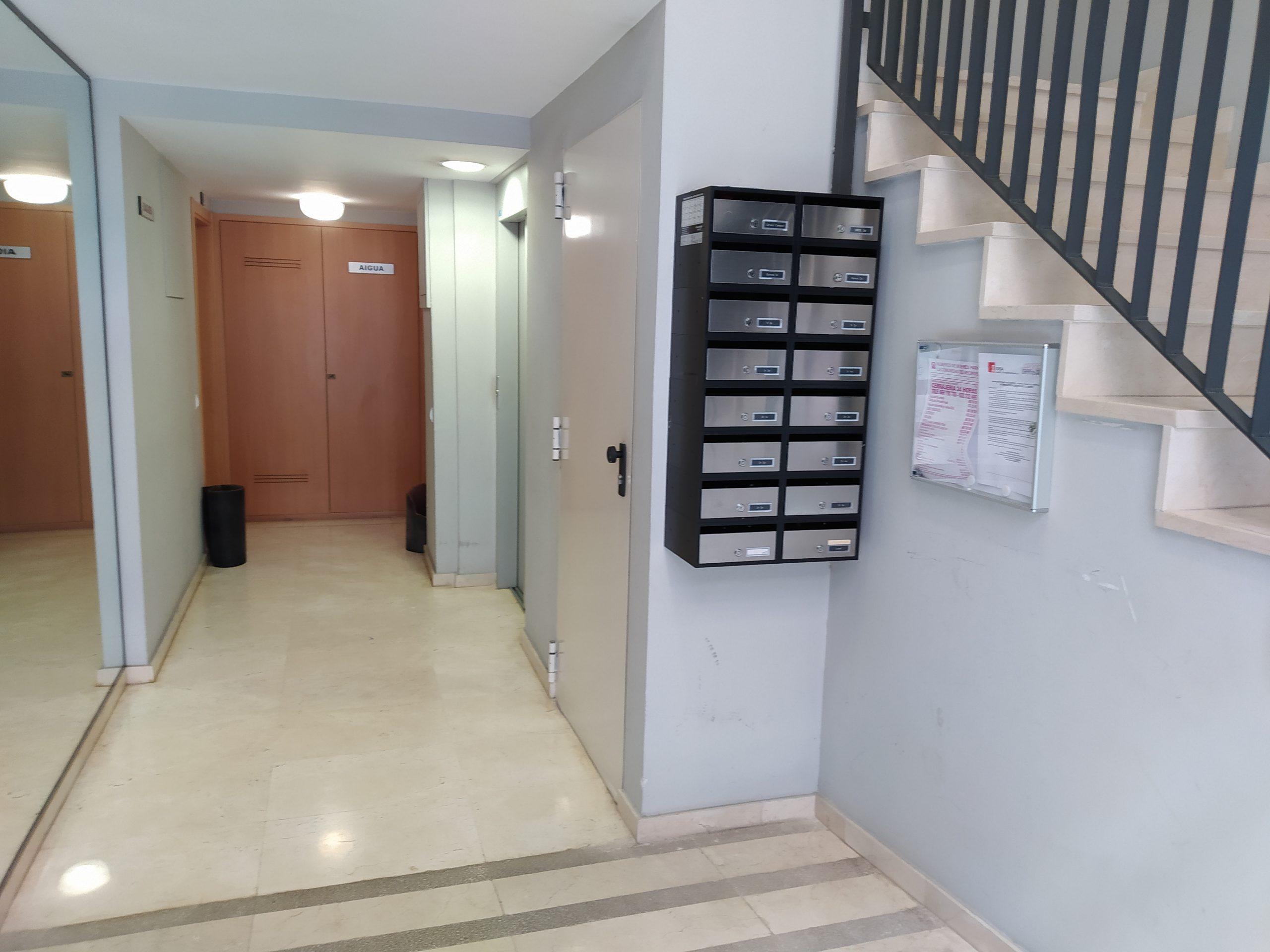"""EN EL CENTRO DE SANTA EULALIA """"L'HOSPITALET DE LLOBREGAT"""""""